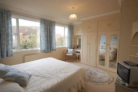 Nice private room in Sunderland - Casa