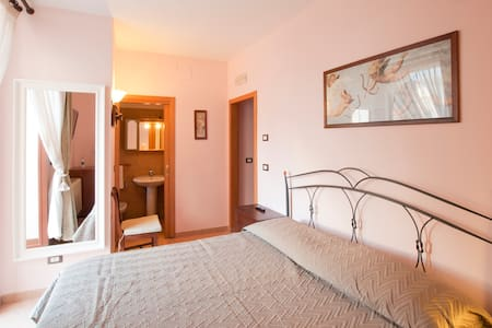 La Dimora, Historical living B&B - Bed & Breakfast