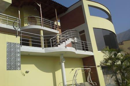 Preciosa Casa de Campo - Chaclacayo