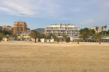 Amazing Studio Beach Front - San Benedetto del Tronto