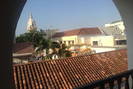 ciudad vieja terraza balcon vistas - Lakás