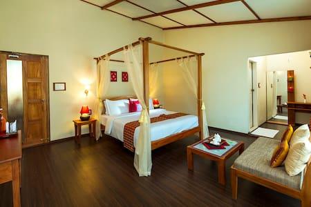 Neelakurunji Elegant room - Munnar - Szoba reggelivel