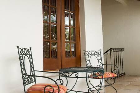 Hermosa habitación colonial - Villa