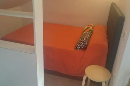 Apartamento Estudio máx 4 personas - Huoneisto