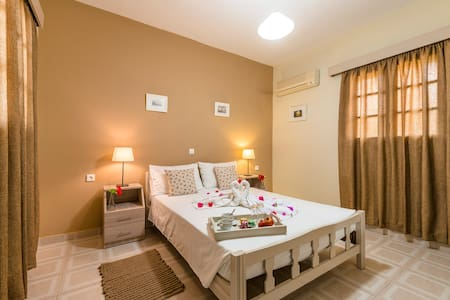 50m from STEGNA Beach - Double Bed - Stegna - Guesthouse