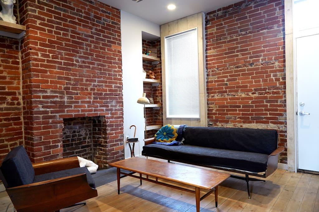 Living Room - Viko Baumritter seating, Lane table