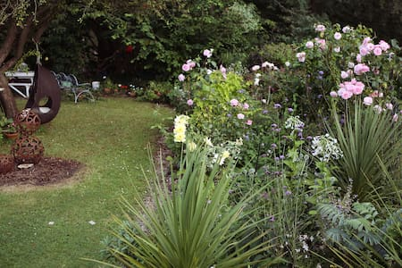 Cosy Garden Chalet With Lovely View - Bristol - Xalet
