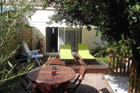 Loue T2 45 m² proximité Ajaccio - Peri - House