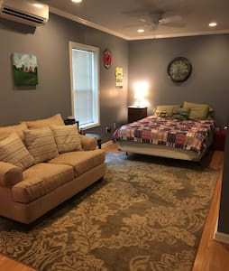 1BR/1BA mins from Dahlonega Square - House