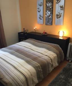 Sunny Luxury Apartment!!