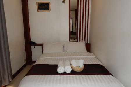 Lao silk hotel- City view - Bed & Breakfast
