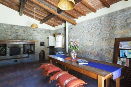 Historic Tuscany Cipresso Apartment - Gambassi Terme - Appartement