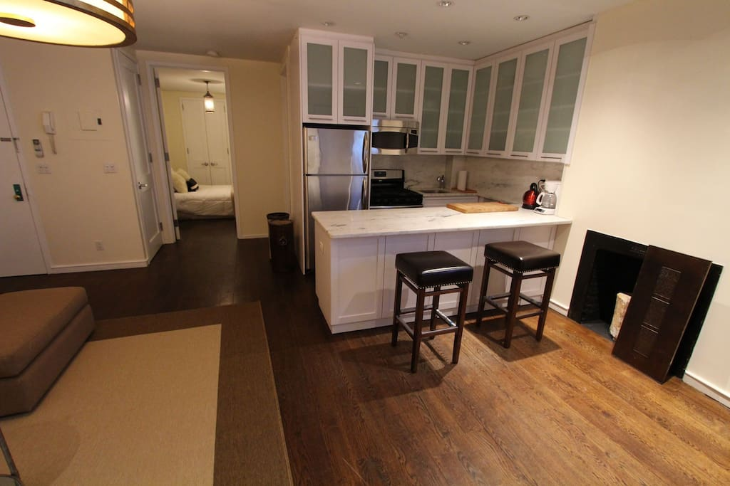 Make yourself at home nyc apartments for rent in new york for Kitchen 713 reservations