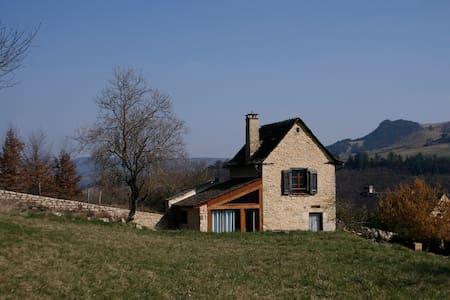Petite maison de vigne rénovée - Hus