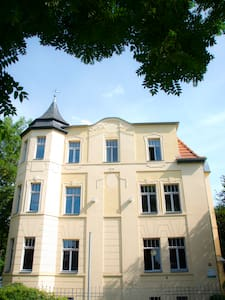 Apartment in top Lage m Stellplatz - Villa