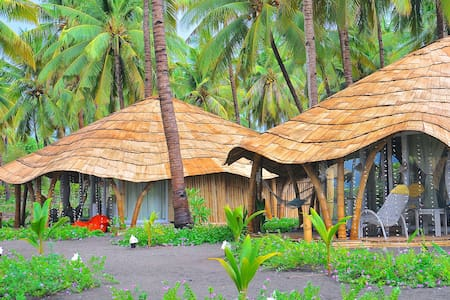 Sunset Bungalow - FREE Breakfast - Maumere - Bed & Breakfast