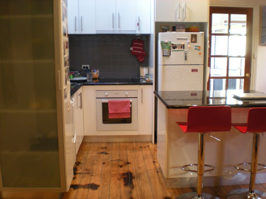 Entire CENTRAL Home -Good Value!