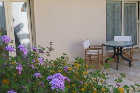 Camera tripla con vista giardino - Campomarino - Bed & Breakfast