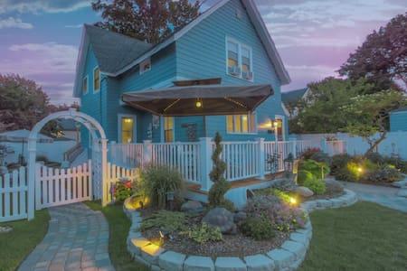 Ocean Breeze Blue House! - Hus