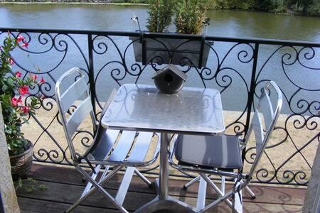 Appartement 18ème vue sur Vilaine avec balcon - Redon