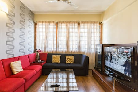 Service Apartment with Car n Driver - Bengaluru - Apartment