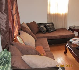 Fully Furnished Family Country Home - Bracey