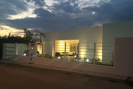 Villa nuovissima a 200 mt dal mare - Scoglitti - Villa