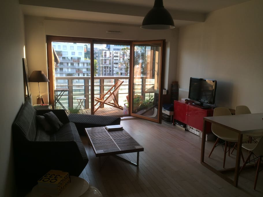 50m2 sunny flat 10m2 balcony apartments for rent in for Living room 10m2