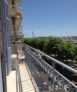 Flat 2nd floor, Sea View on the French Riviera - Apartment