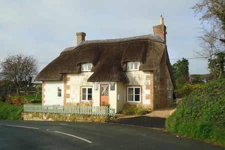 Corner Cottage, Limerstone, IOW - House