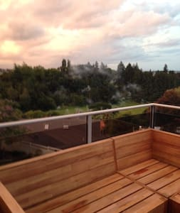 Semi Self Contained Unit in Family Home - Tauranga - House