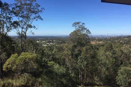 Breathtaking Views on Ridgewood - Hus