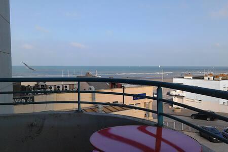 Studio impeccable avec balcon vue sur mer - Apartment