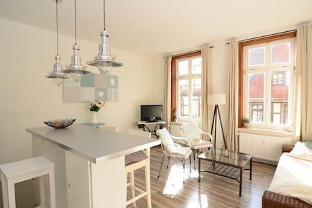 Schicke Altbauwohnung in der Fußgängerzone - Apartamento