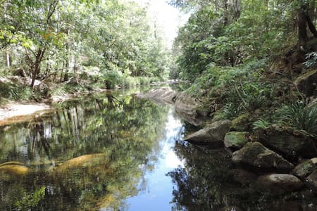 On the Creek.  Promised Land - Gleniffer - Haus