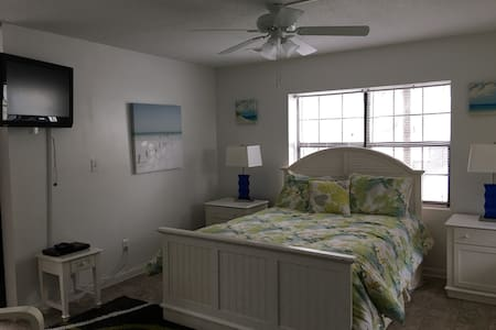 Fannies Studio/Full KITCHEN  #5B 100yds to beach - Tybee Island - 公寓