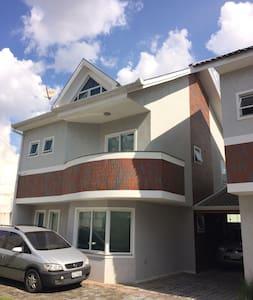Confortável Triplex - House
