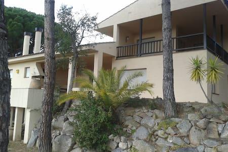 single room: nice house in COSTA BRAVA - Rumah