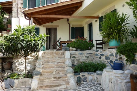 Villa Eva, Berg und Meer - House