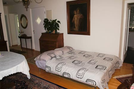 In a villa, comfortable sofa bed - Appartement