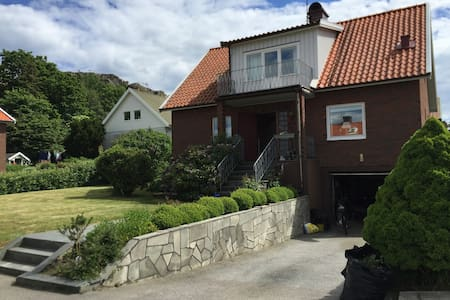 Villa in beautiful Skärhamn, westcoast Sweden - Casa
