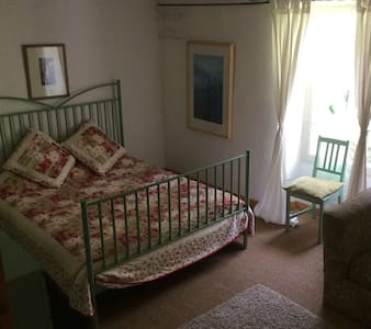 Double Bedroom (3), Le Jasmin Bleu Farmhouse - Bed & Breakfast