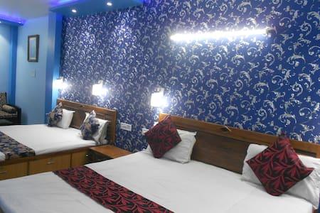 Luxury Suite sleeps 4+2 - Nueva Delhi - Bed & Breakfast