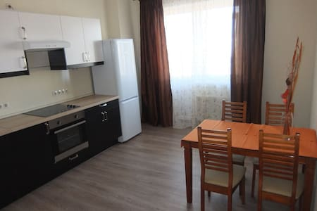Новая уютная квартира в центре - Apartment