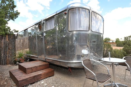 Tiny Home Vacation! - 1948 Spartan - sweet! - Santa Fe - Camping-car/caravane