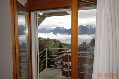 Les Cretes Apartement с видом горы - Apartament