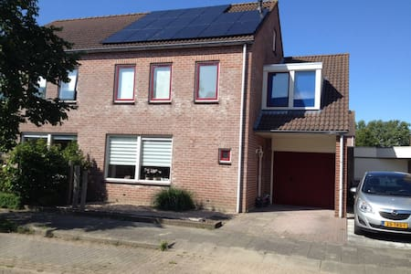 Lise's Place - Vrouwenpolder