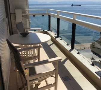 Balcony Sea Side/View Apartment White Tower - Wohnung
