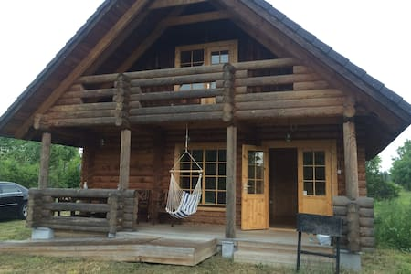 Small log house on beautiful Muhu island - Chalet