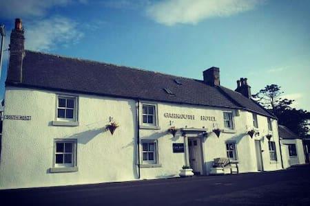 Garmouth Hotel - Speyside Village Pub. Family Room - Inap sarapan